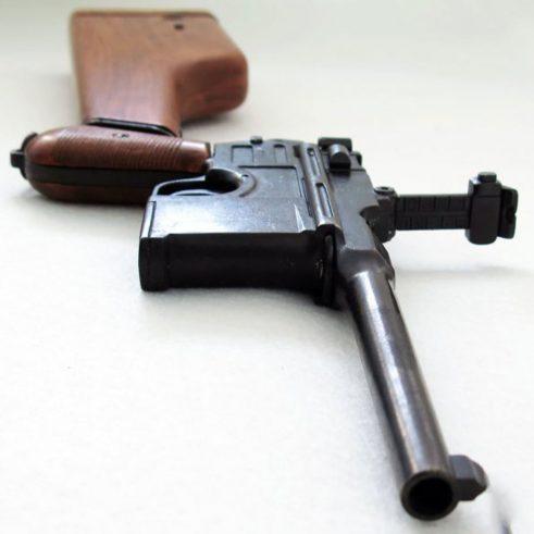 Pistola-C96,-,-con-funda-culata-de-madera..-Ref.-1025.-DENIX-(5)